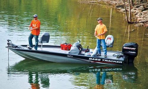 tracker bass boat
