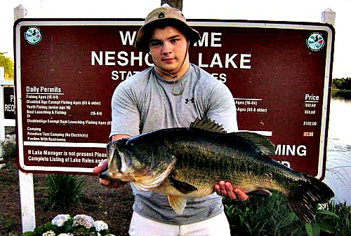 Mississippi largemouth bass fishing at Neshoba County Lake